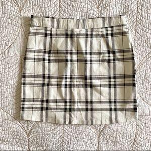 5/$35🍑 Like-New FOREVER 21 B&W Plaid Skirt